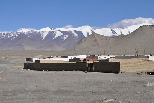 Landsbyen Karakul i Tadsjikistan
