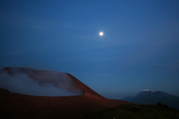 Fuldmåne ved Telica i Nicaragua