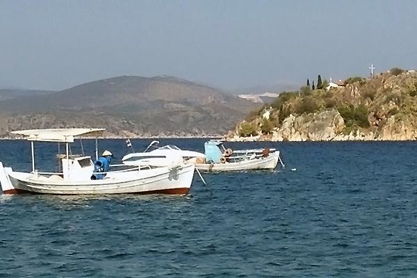 Både på havet i Grækenland