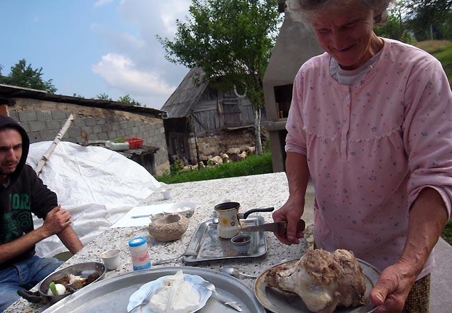 Morgenmad hos mormoren i Gornje