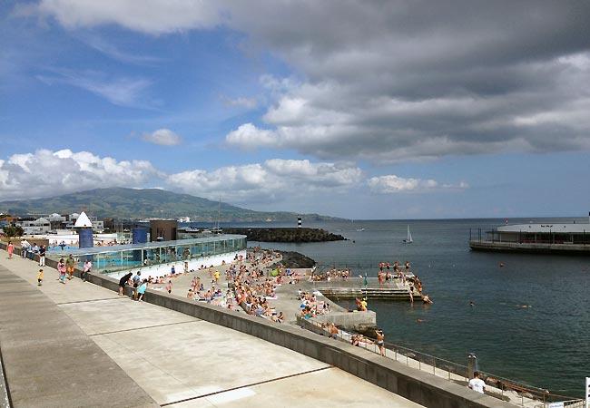 Havnepromenade på São Miguel