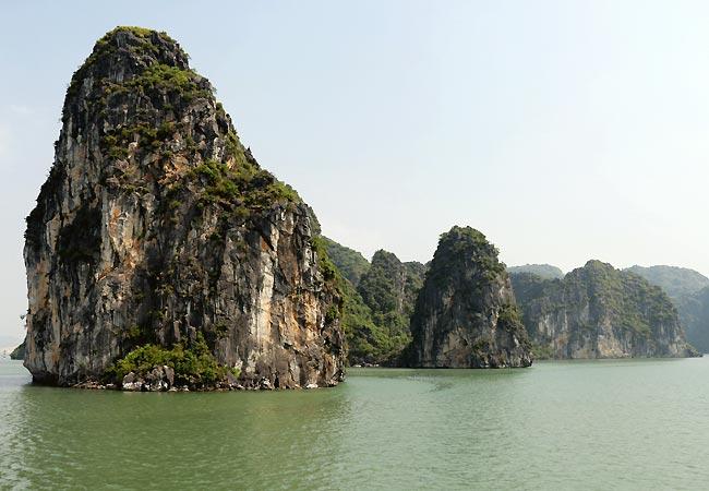 Smukke klipper i Ha Long Bay