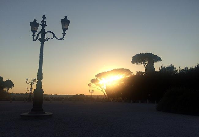 Storslået aftenlys i Rom