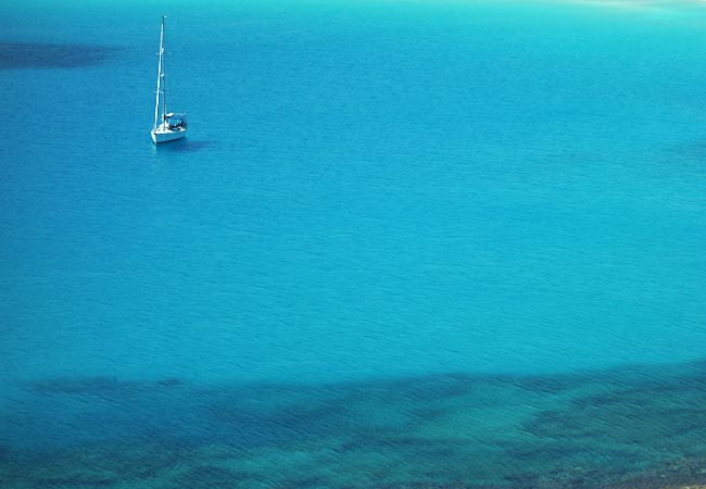 Havet ved Elafonisos er utroligt blåt