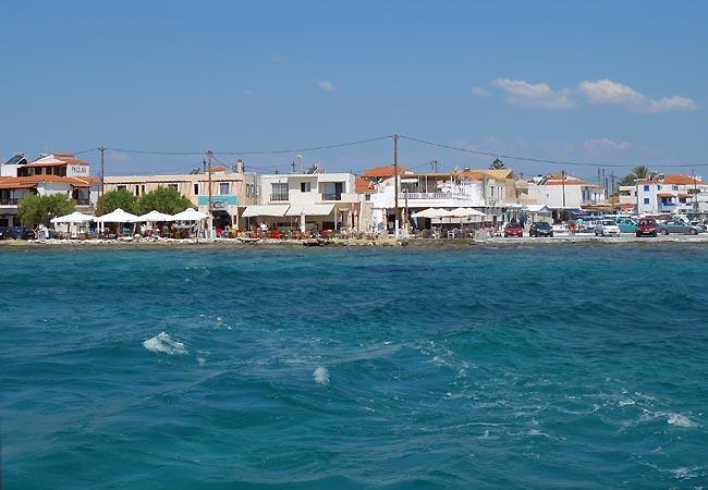 Havnen med huse på Elafonisos
