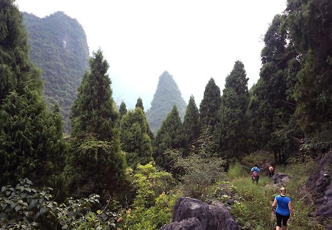 På vandretur ved Langshi i Kina