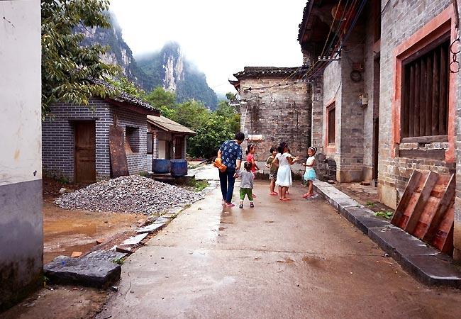På opdagelse i den lille by, Langshi